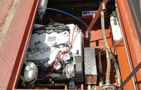 faehre-berlin-4-einer-der-beiden-Motore